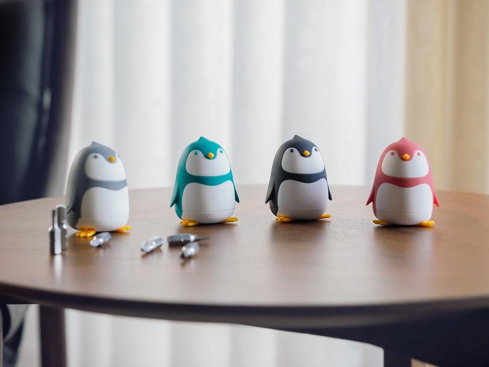 インテリアになるペンギンさんのドライバーセット画像