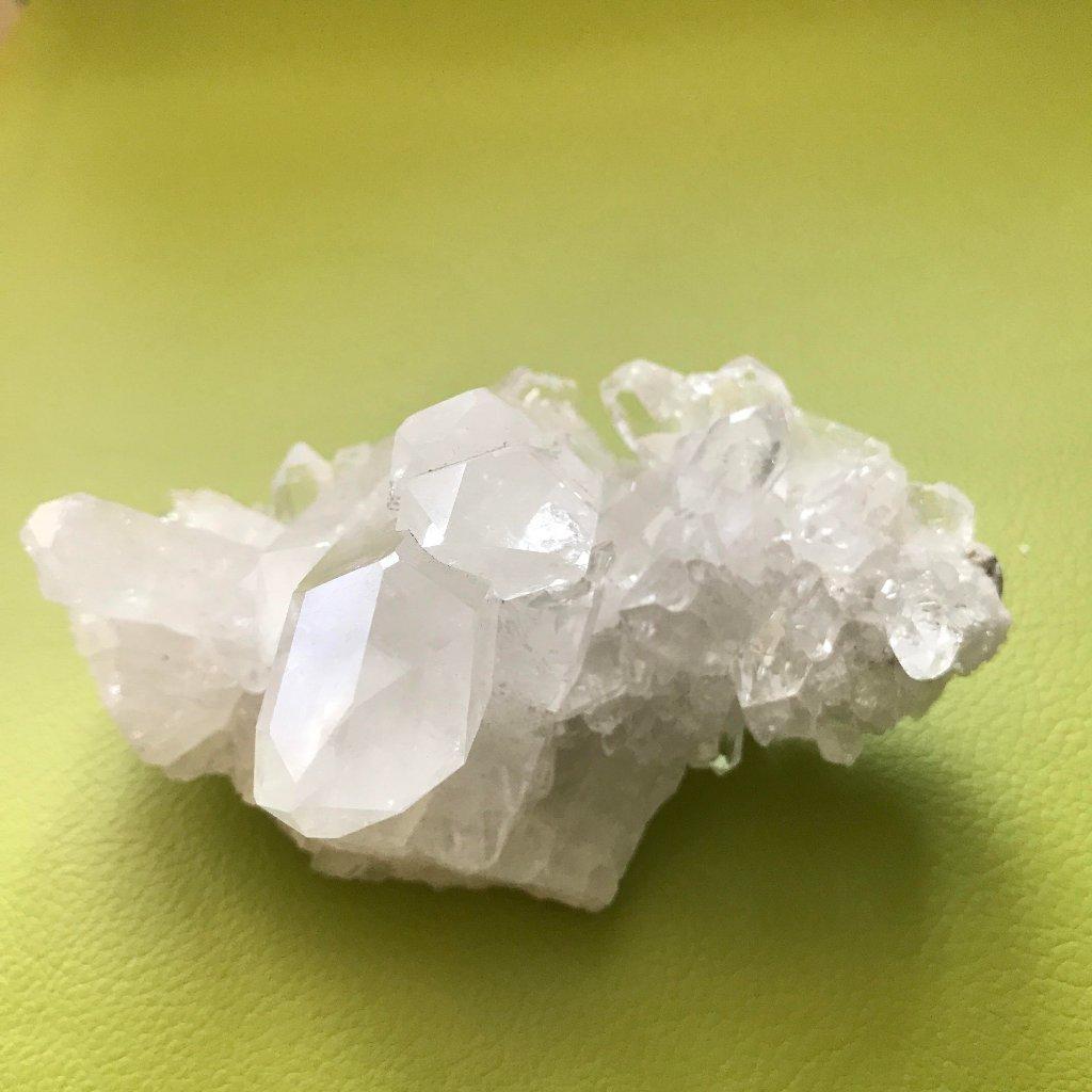 ブラジル産~水晶クラスター280g~プログラム入り~¥16,000円の画像