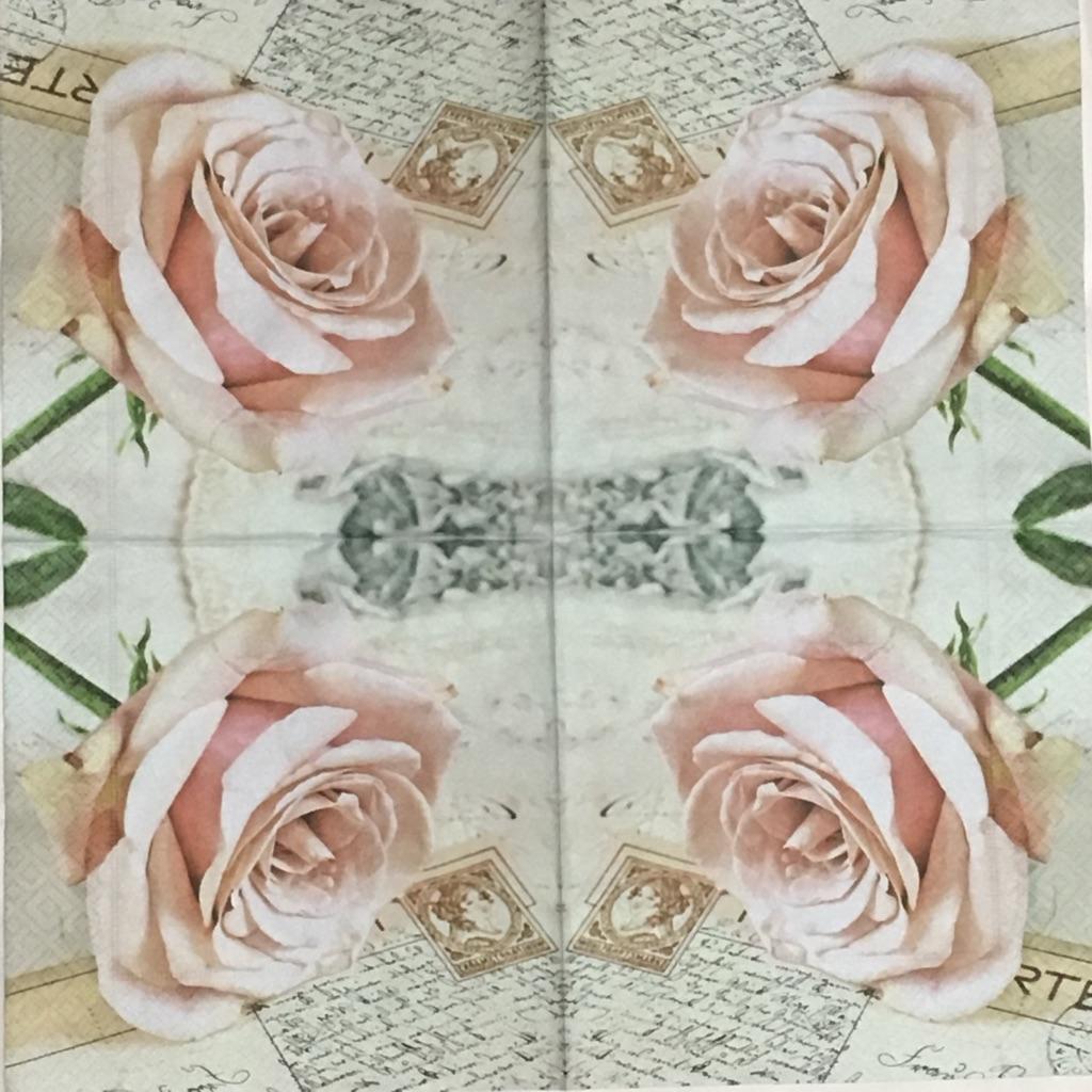 バラとポストカードの画像