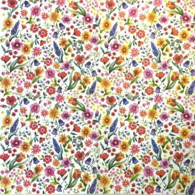 小さな花がいっぱいの画像