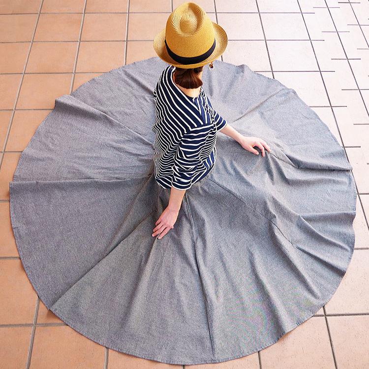 生地を贅沢に使った360度サーキュラースカート