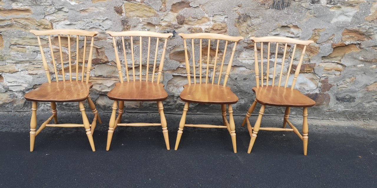 Ercol table and 4 chairs(Chairs)画像