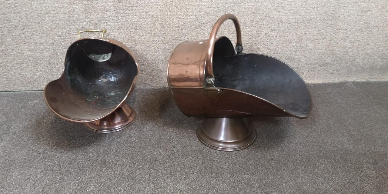 Two copper coal scuttles画像