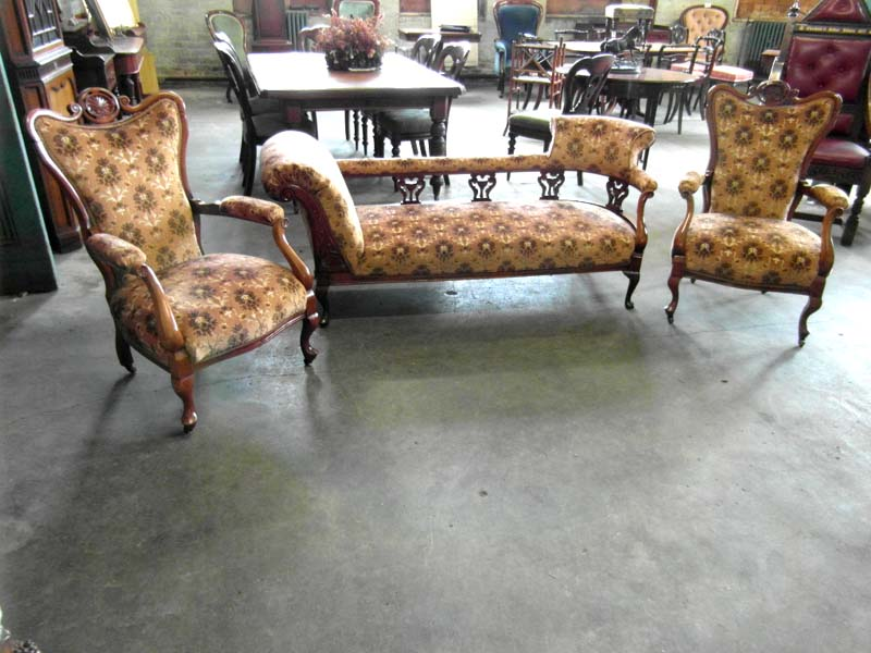 Vic. Ornate 3 Pce Parlour Suite(settee)画像