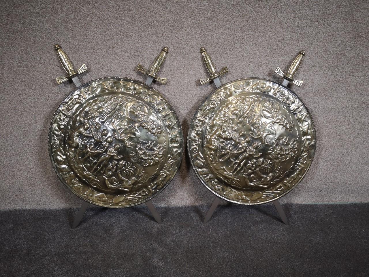 Pair of brass plaques画像