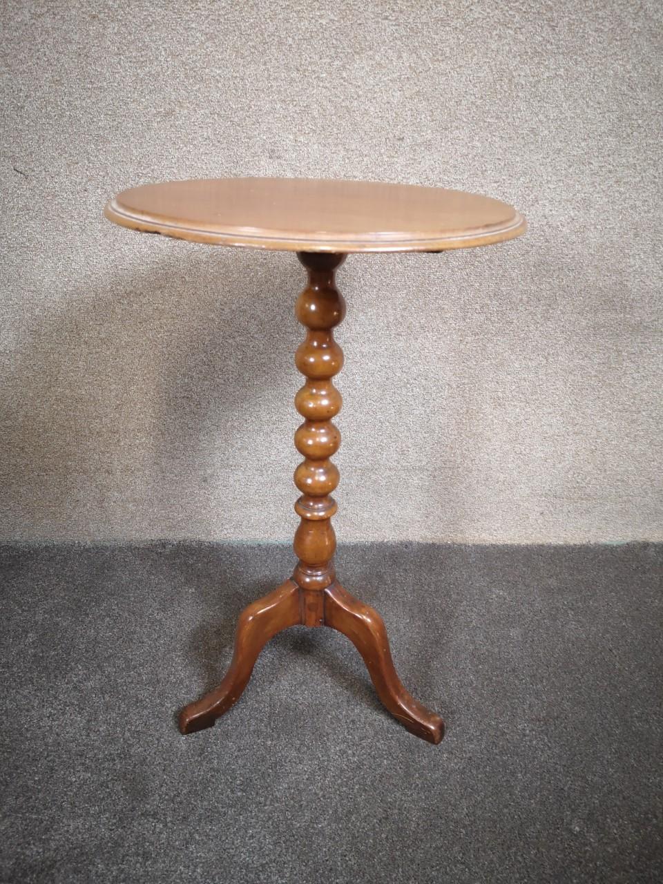 Victorian mahogany table画像