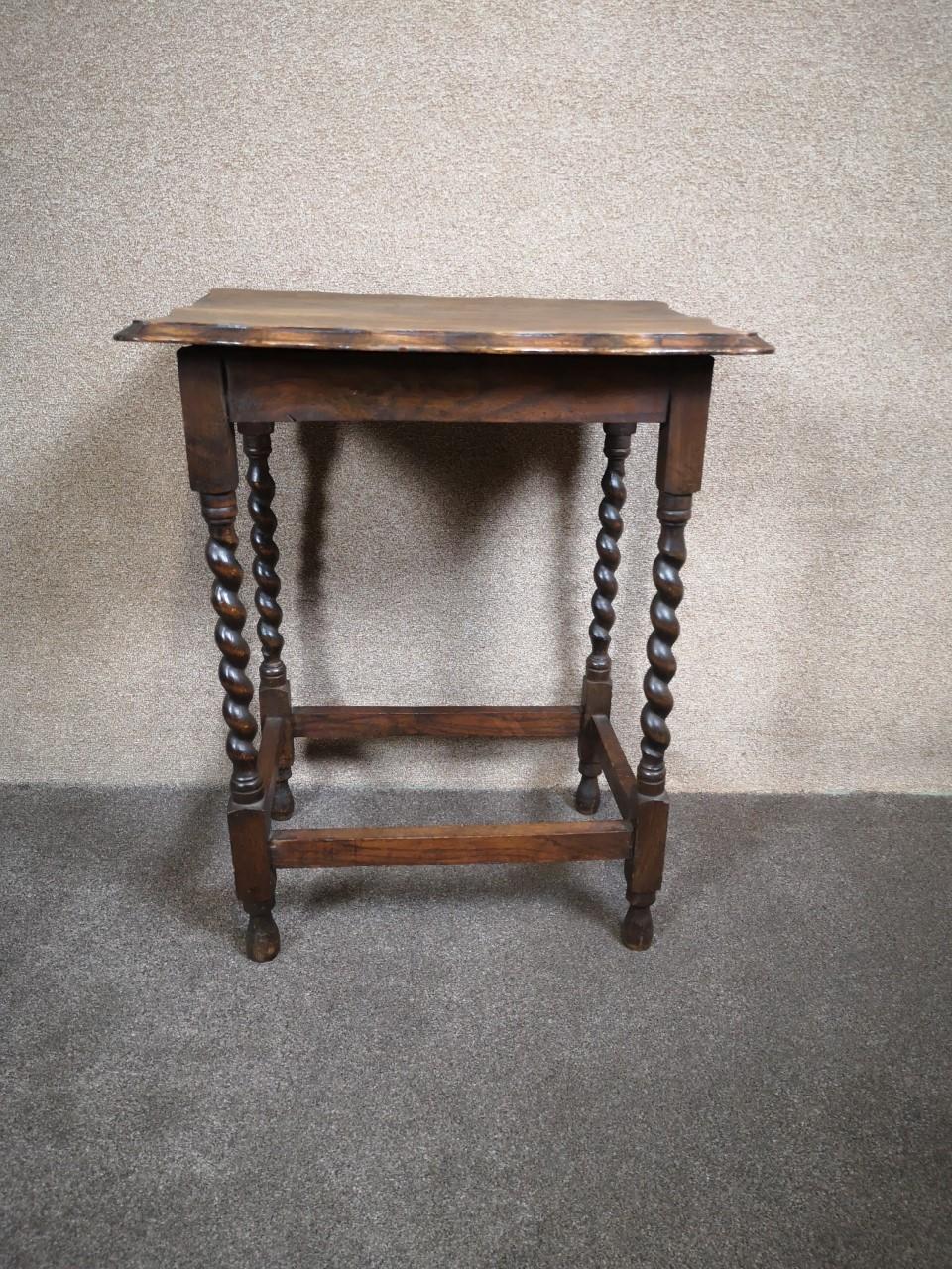 Oak barley twist table画像