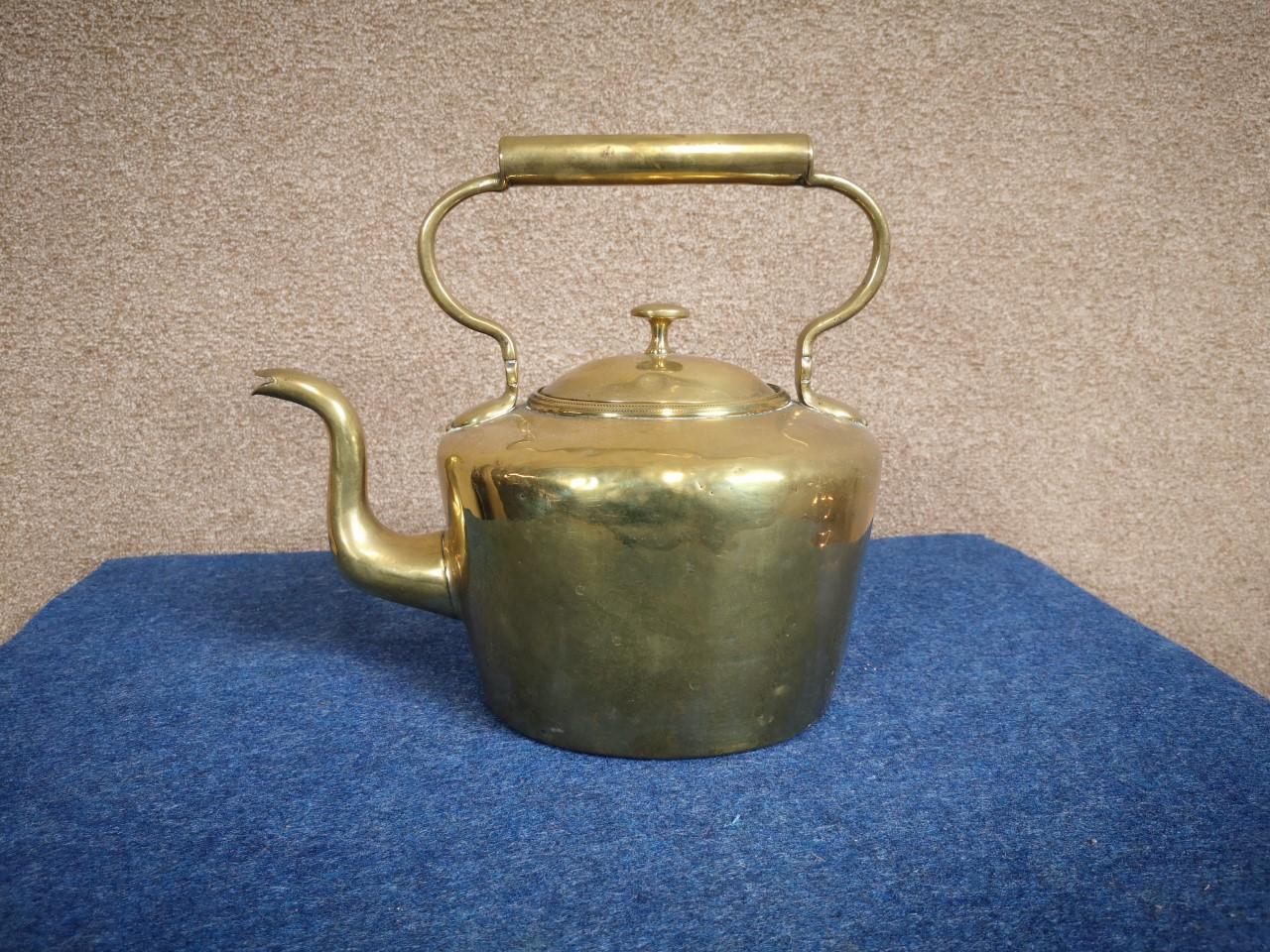 Victorian brass kettle画像