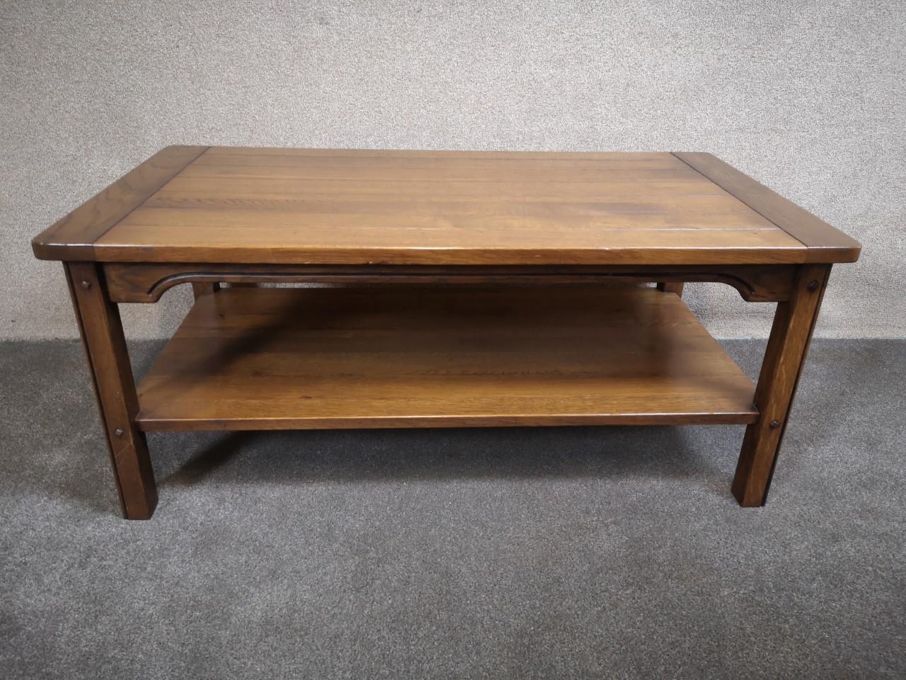 Oak coffee table画像