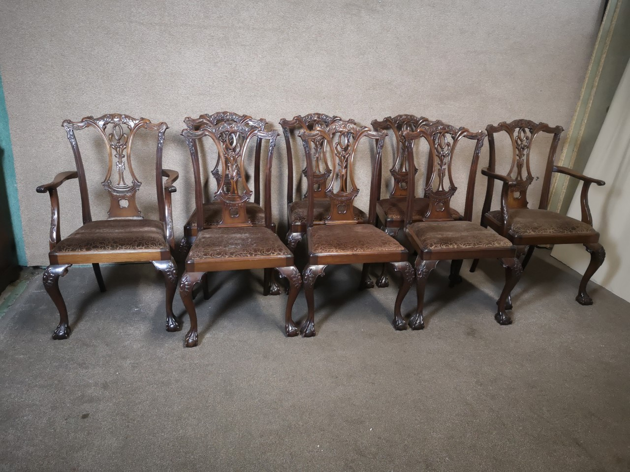 Chippendale table and chairs(8 chairs)画像