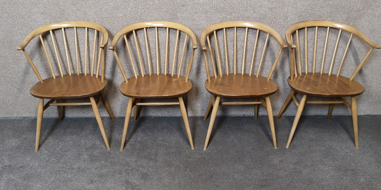 Ercol table and 4 cowhorn chairs(4 Chairs)画像