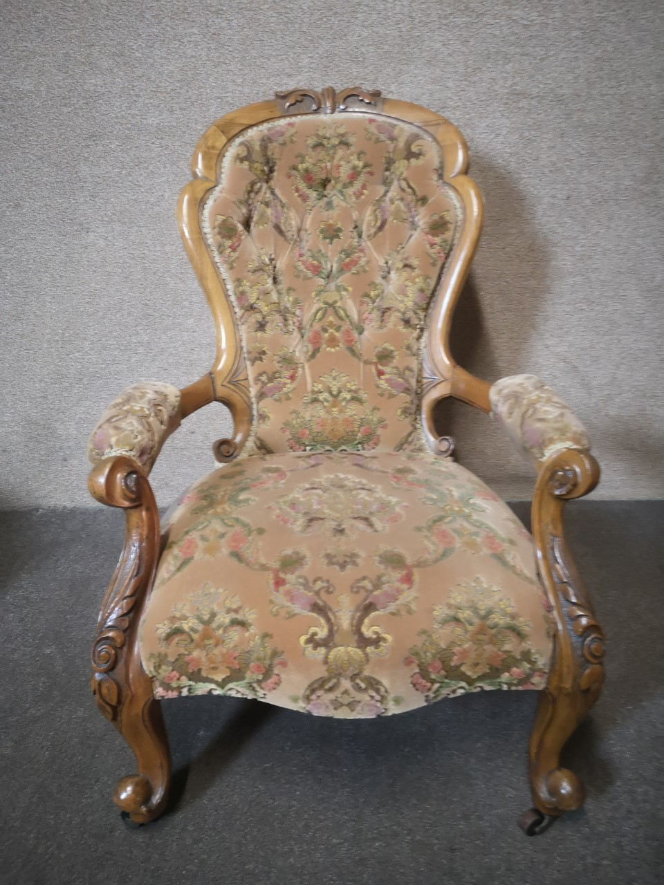 Walnut ladies and gents chairs(Gents)画像