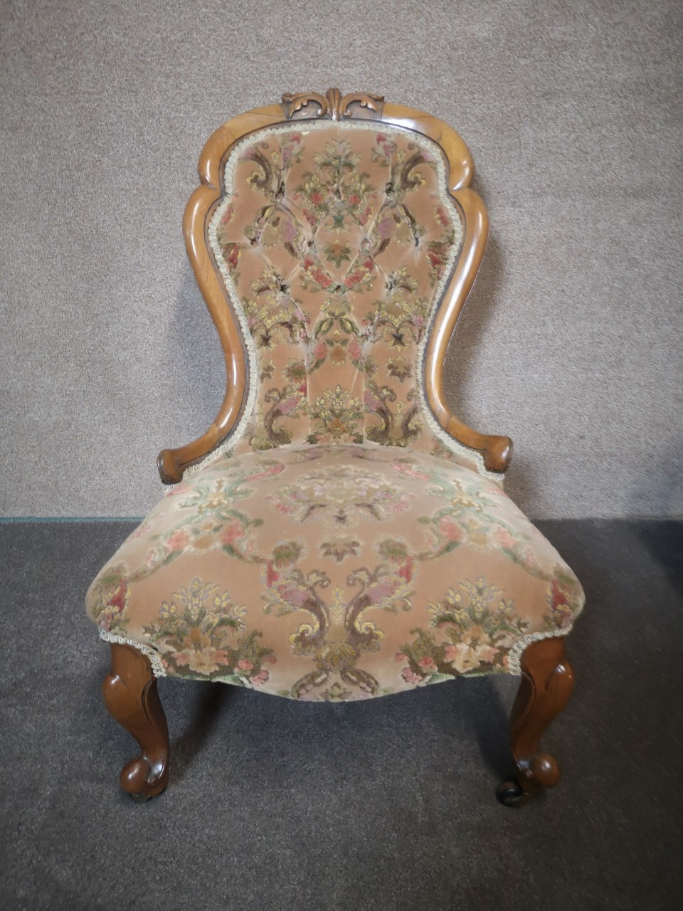 Walnut ladies and gents chairs(Ladies)画像