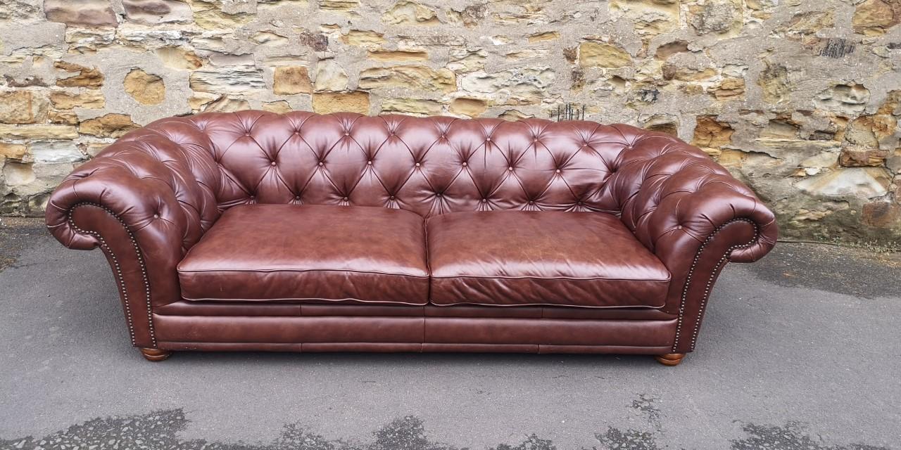 Chesterfield sofa画像