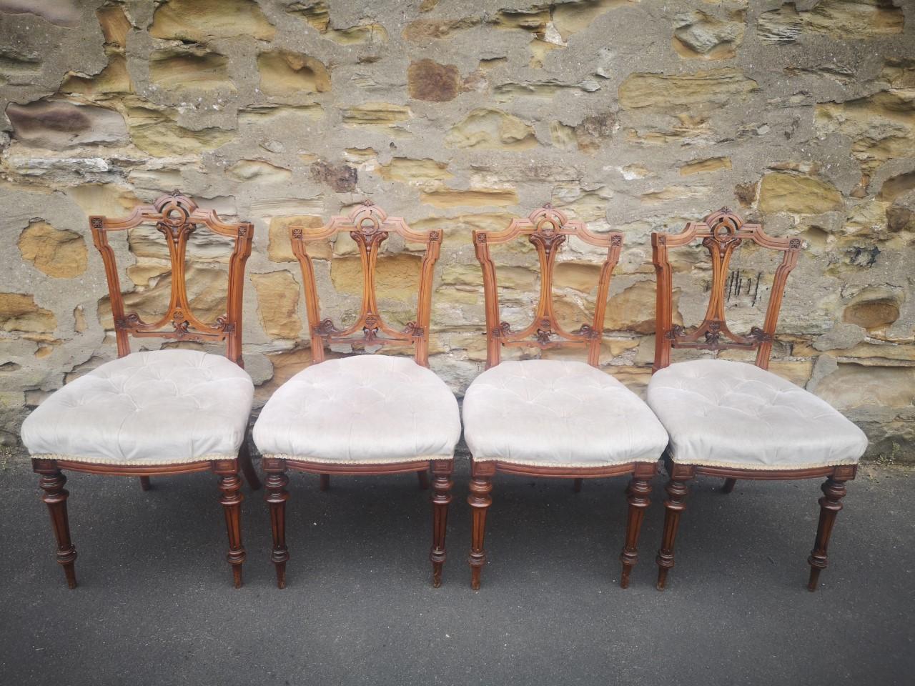Seven piece suite(4 Salon chairs)画像