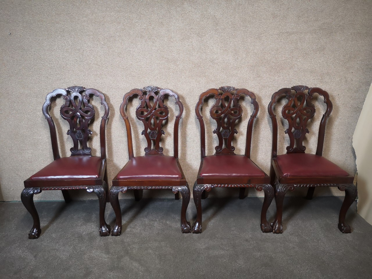 Set of 4 mahogany Chippendale chairs画像