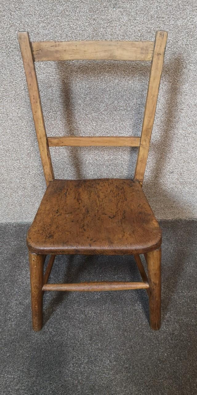 Child's chair画像
