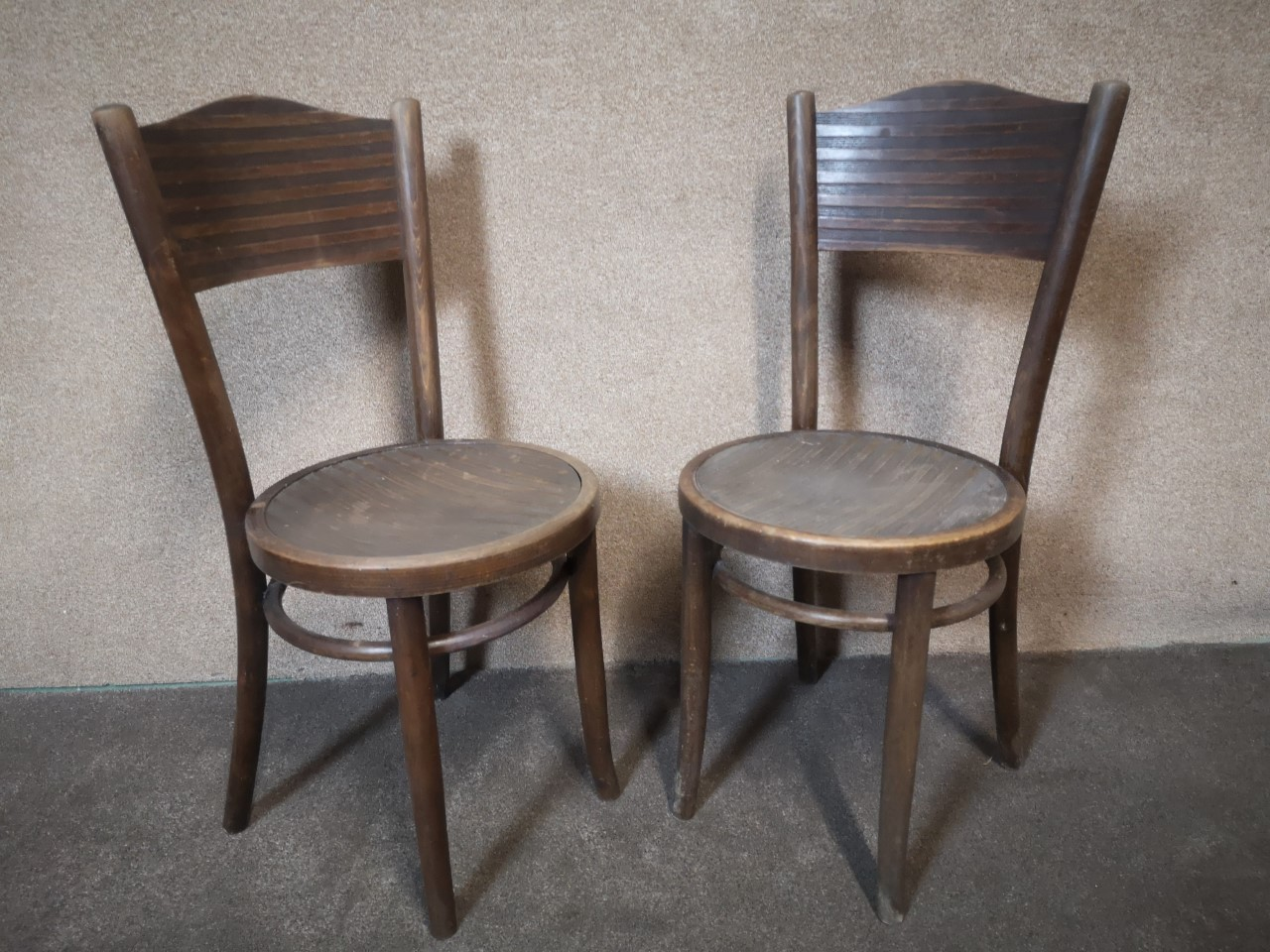 2 pairs of bentwood chairs(2 BarBacks)画像