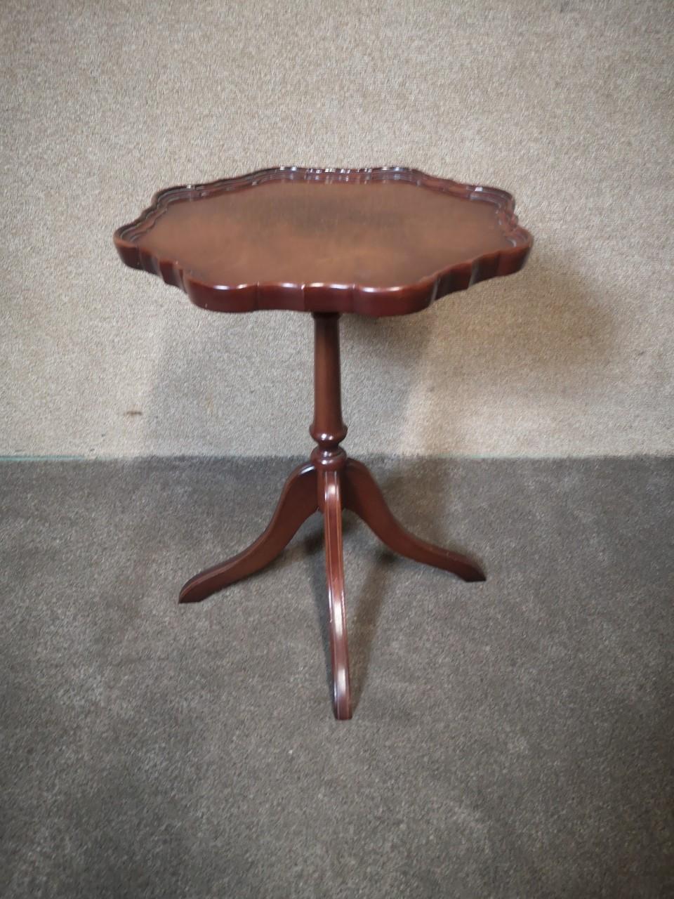 Mahogany wine table画像
