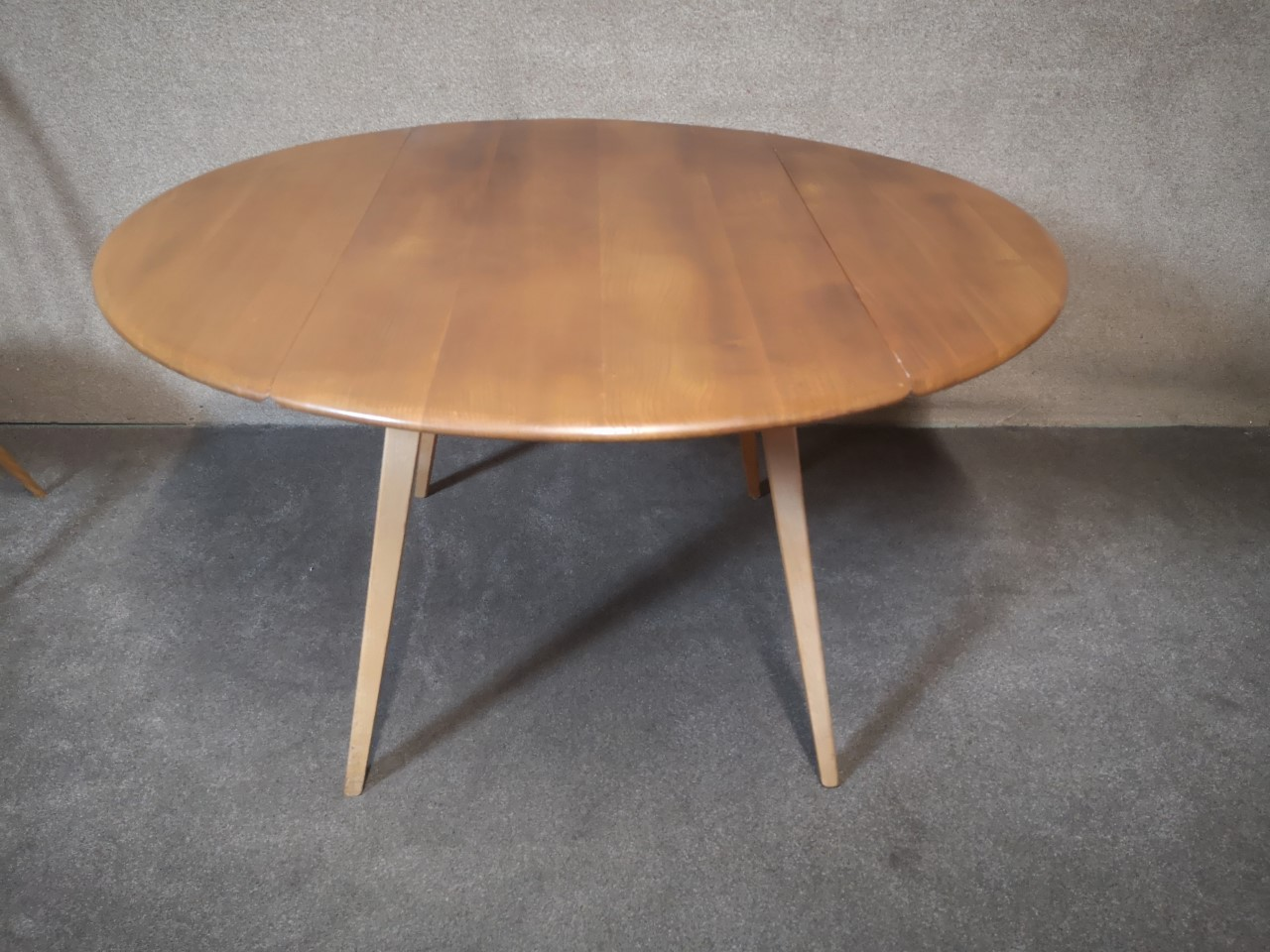 Ercol table and 4 chairs (table)画像