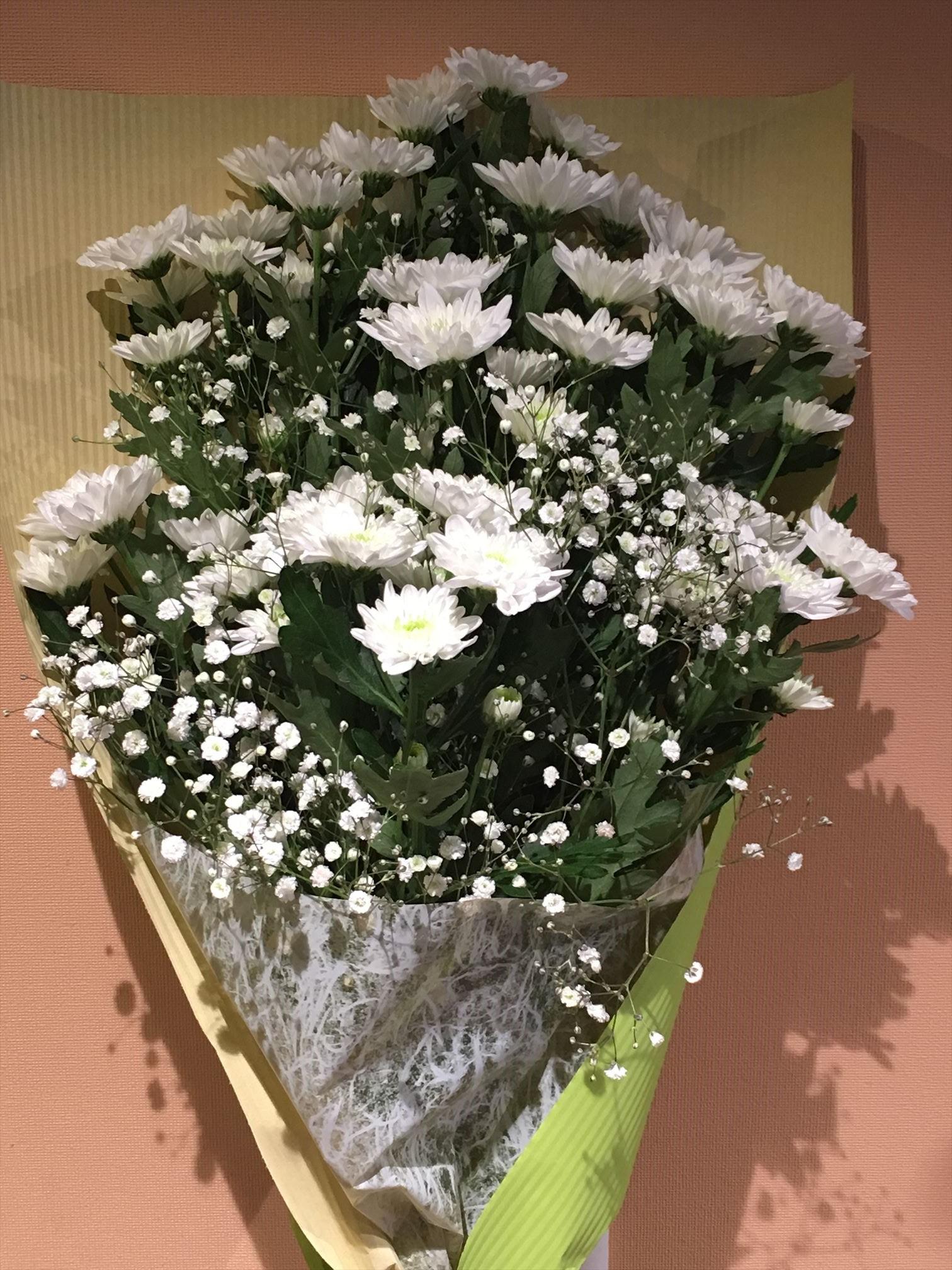 スプレーマムの花束 白 画像