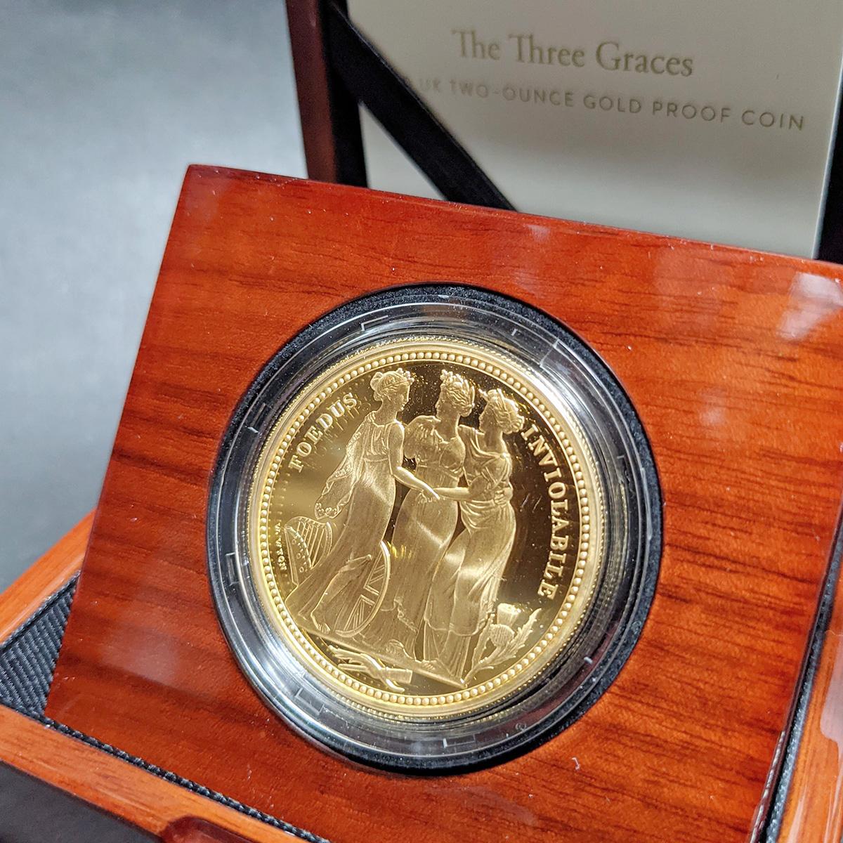 イギリス2020年スリーグレイセス2オンス金貨 証明書、箱つき画像