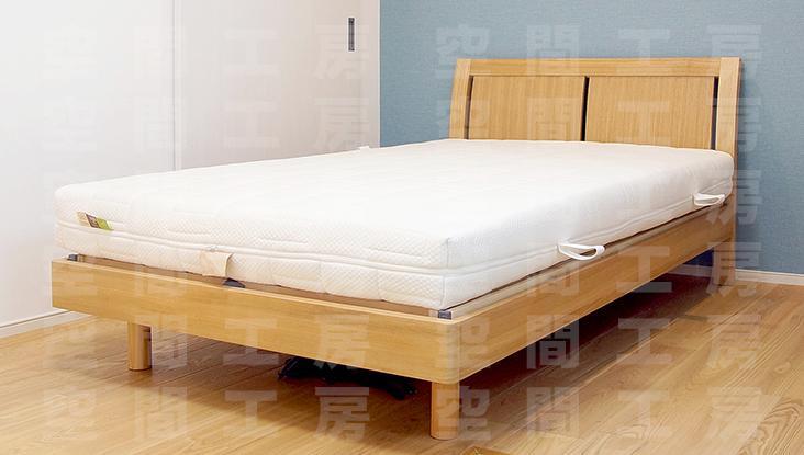ウッドスプリング仕様の木製ベッドフレーム画像