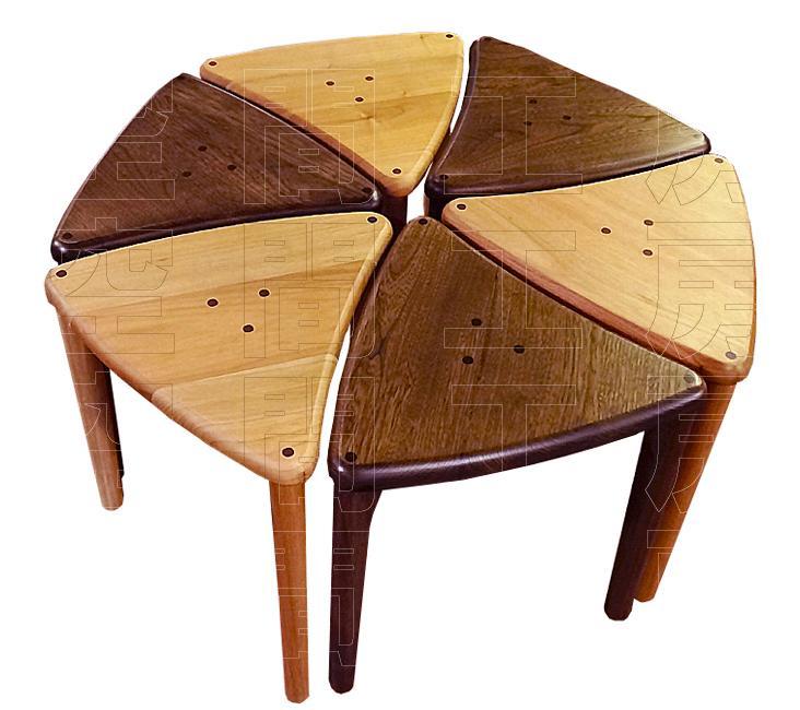 スタッキングもできる、おにぎり型の木製スツール (国産品)の画像