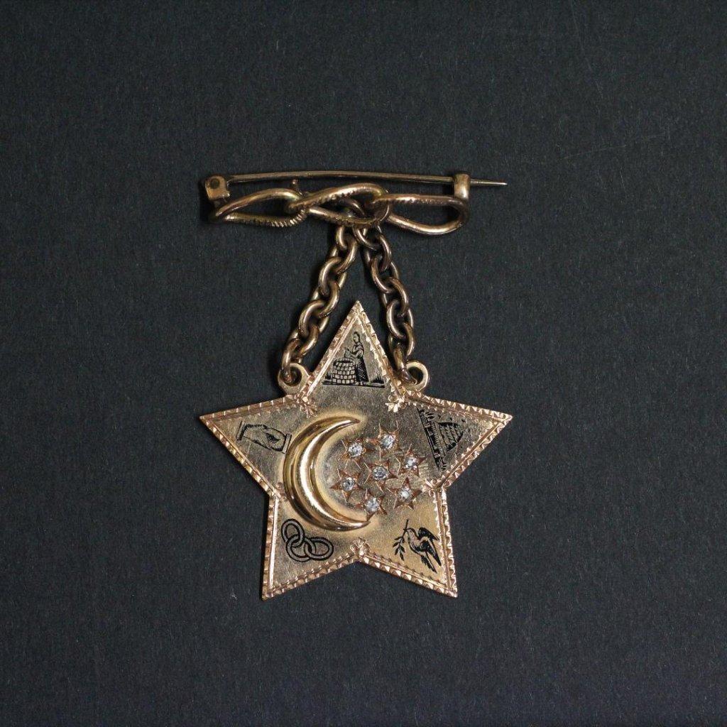 アンティーク オッドフェローズ オールドカットダイヤ & ゴールド ブローチの画像