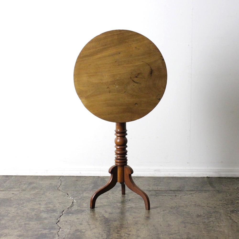 イギリス アンティーク トライポッドテーブル画像