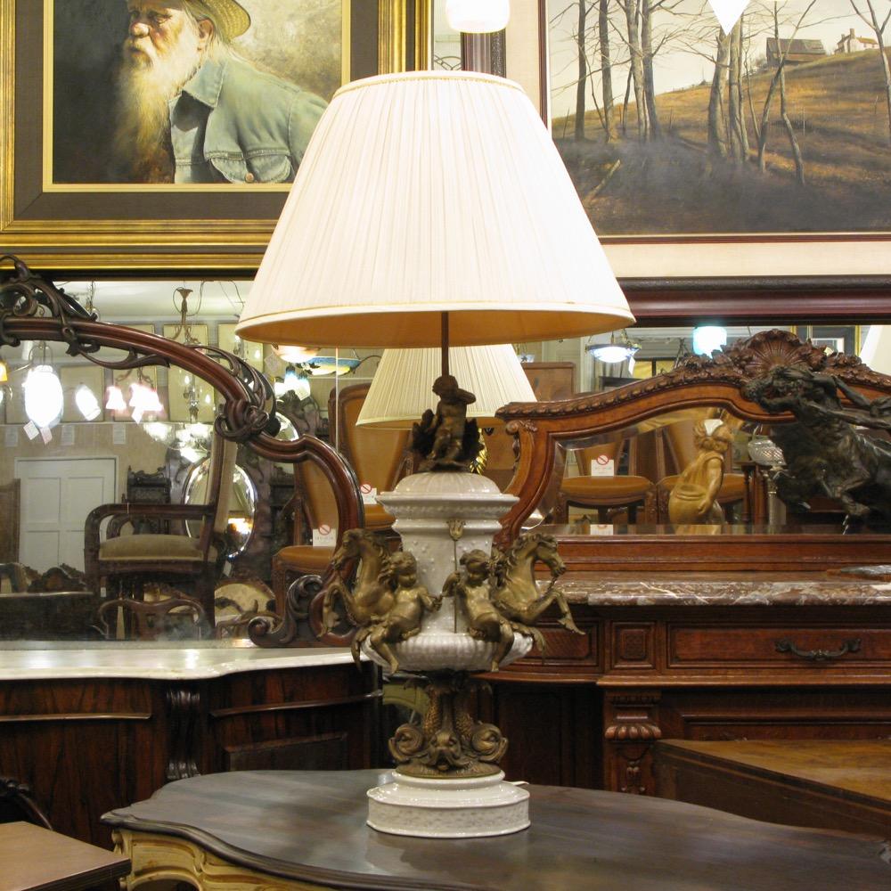 フランス アンティークスタイル テーブルランプ画像