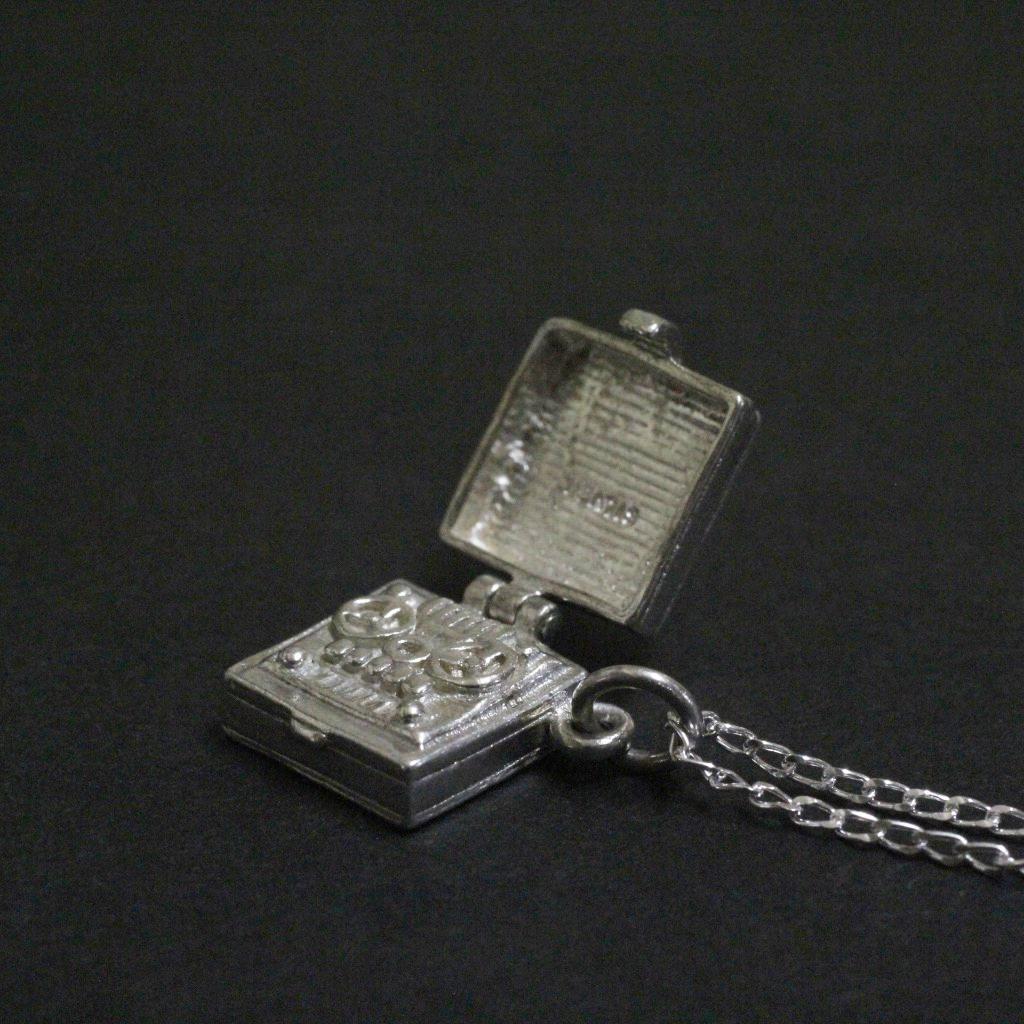 ヴィンテージ テープレコーダー シルバーチャーム ネックレス画像
