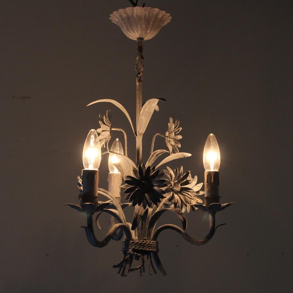フランス ヴィンテージ トールフラワー3灯シャンデリア画像