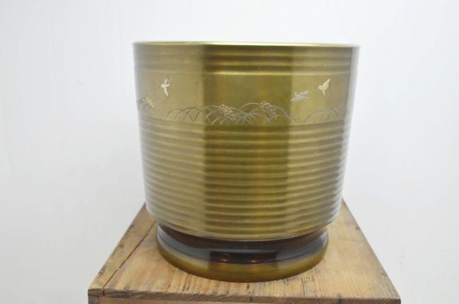 アンティーク火鉢の画像