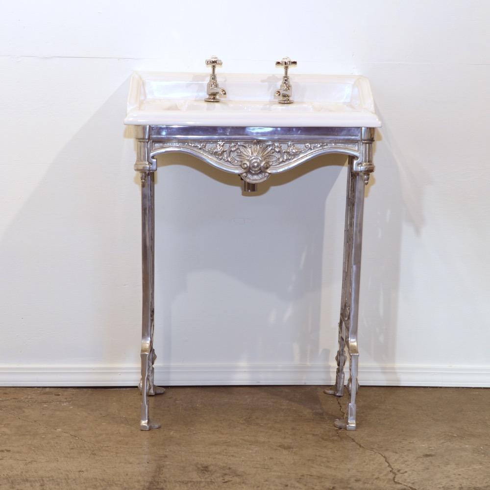 アンティークスタイル ウォッシュスタンド 洗面台の画像