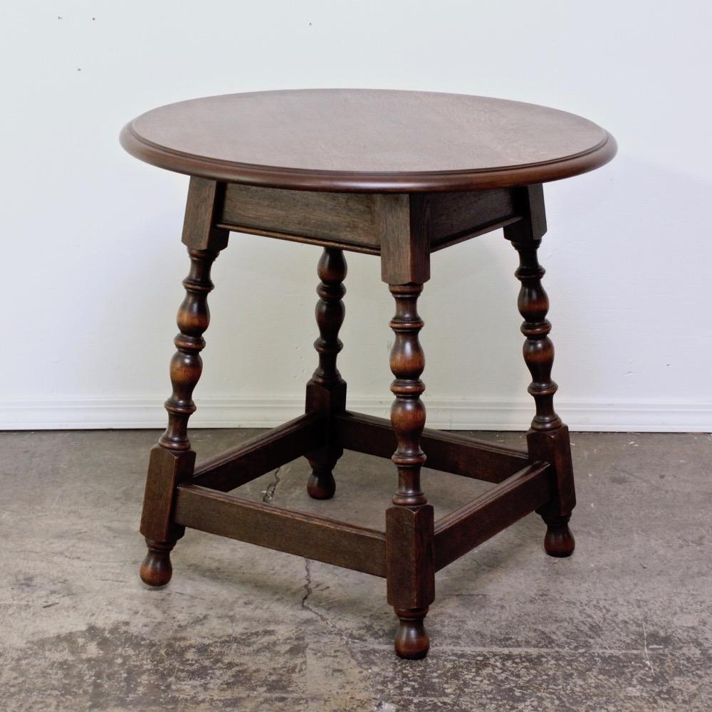 アンティーク オーク サイドテーブルの画像