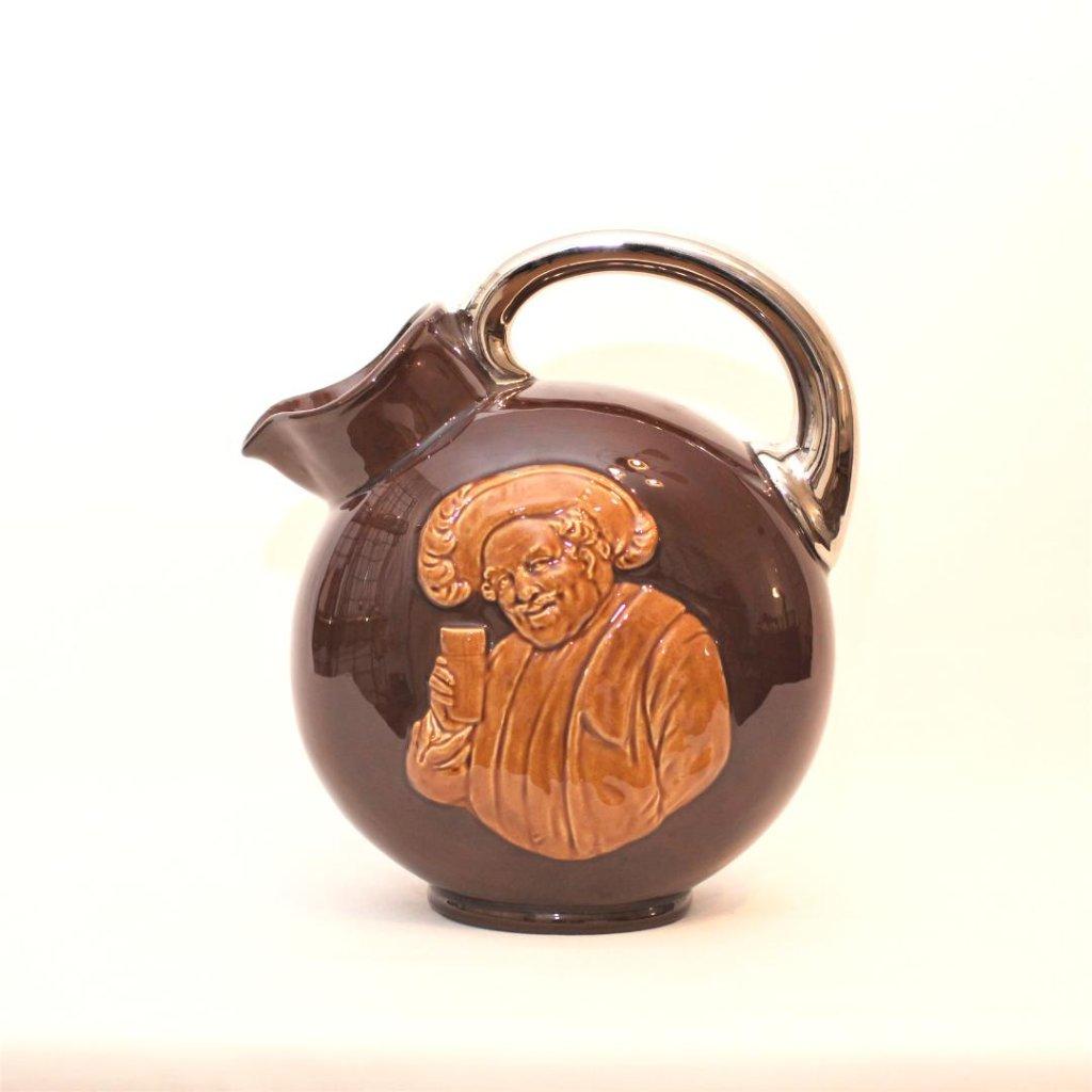 陶製ピッチャーの画像