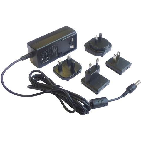 リチウムイオン充電池用充電器画像