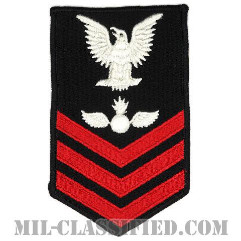 一等兵曹 航空兵器員(Aviation Ordnanceman (AS))[ネイビーブルー(レッド)/Male(男性用)/腕章(Rating Badge)階級章/全面刺繍タイプ]画像