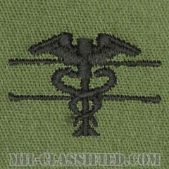 優秀医療章(Expert Field Medical Badge)[サブデュード/パッチ]の画像
