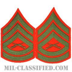 一等軍曹(Gunnery Sergeant (GySgt))[グリーン・レッド/海兵隊階級章/Large(男性用)/パッチ/ペア(2枚1組)]の画像