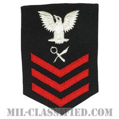 一等兵曹(二等兵曹・三等兵曹共通)情報専門員(Intelligence Specialist)[ネイビーブルー(レッド)/Female(女性用)/腕章(Rating Badge)階級章]の画像