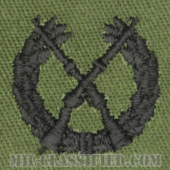 仮想敵部隊(対抗部隊)歩兵科章(Opposing Force (OPFOR), Infantry Branch Insignia)[サブデュード/兵科章/パッチ/ペア(2枚1組)]の画像
