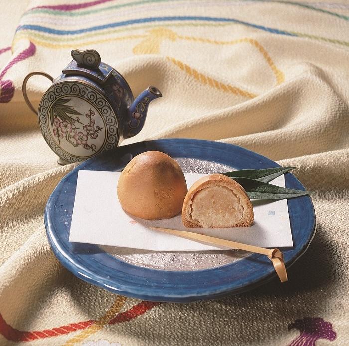 びわまん 1個  オリジナルびわ餡のおまんじゅう 隠れ人気商品画像