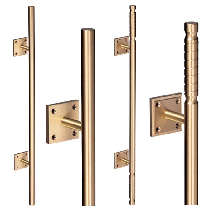 真鍮バーハンドル 木ネジ止め取手(2本組)取っ手 把手 シンプルで高級感のある扉用ドアハンドル 全長600mm 画像