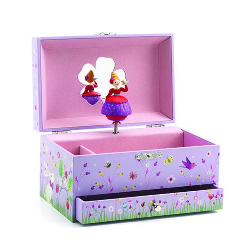 お誕生日プレゼントはあえてのクラシカルアイテムフランスおもちゃブランド「DJECOジェコ」のミュージックボックス・オルゴール(プリンセス)画像