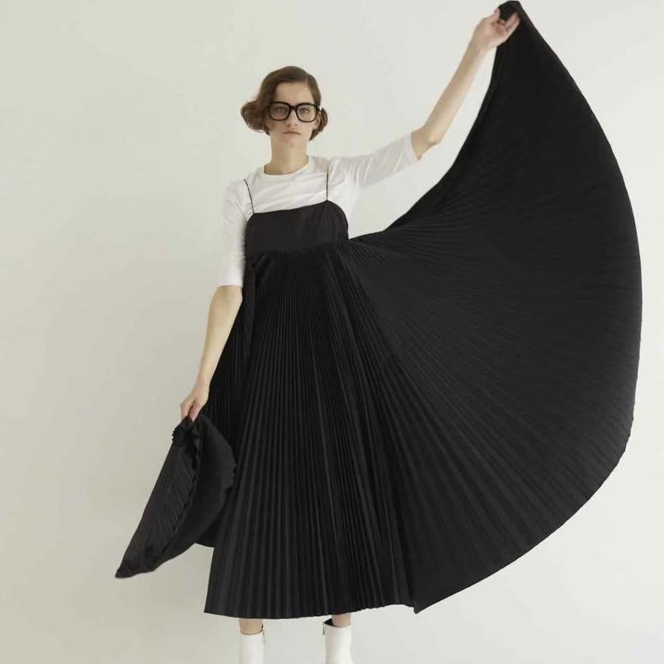 Cocco pleats black画像