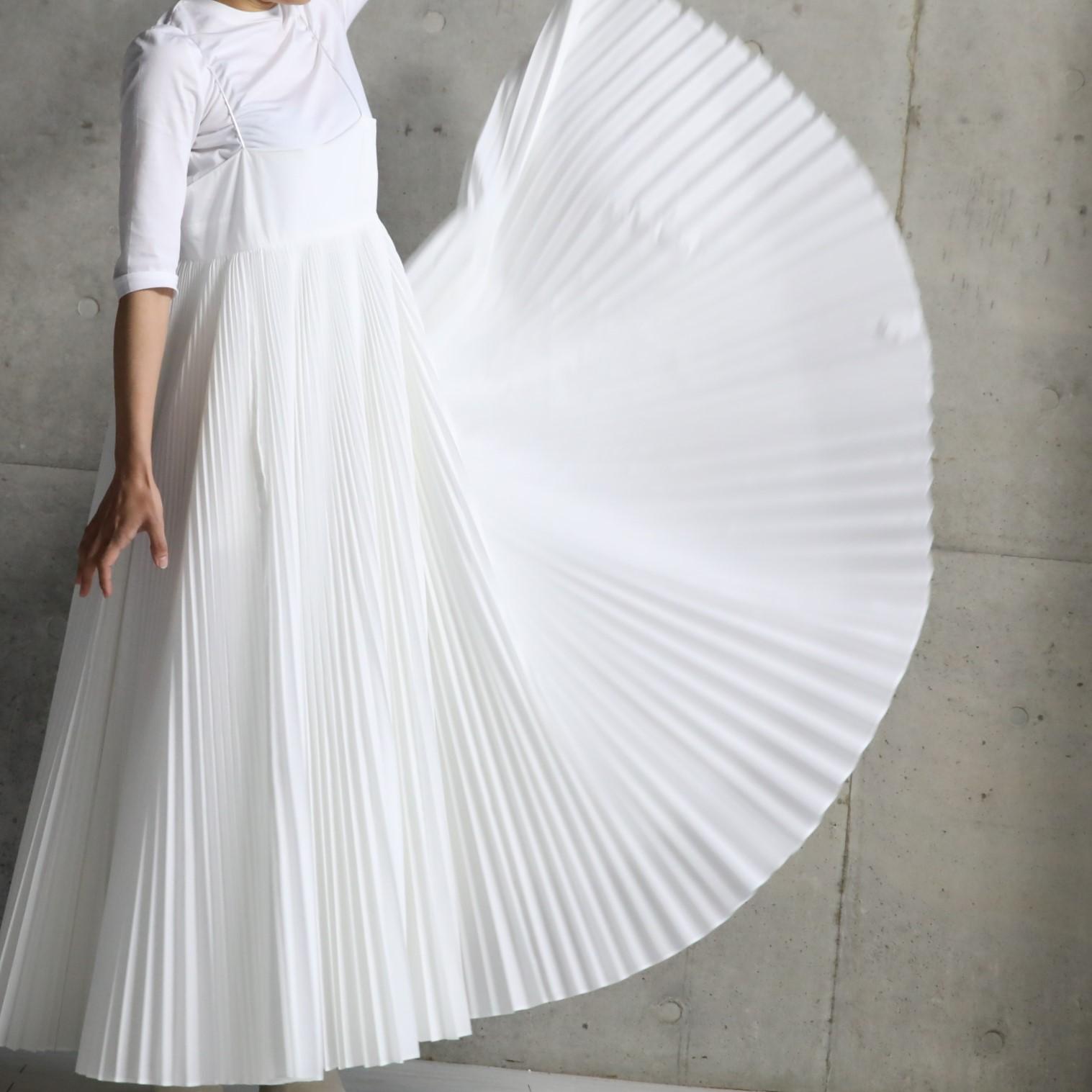 Cocco pleats white画像
