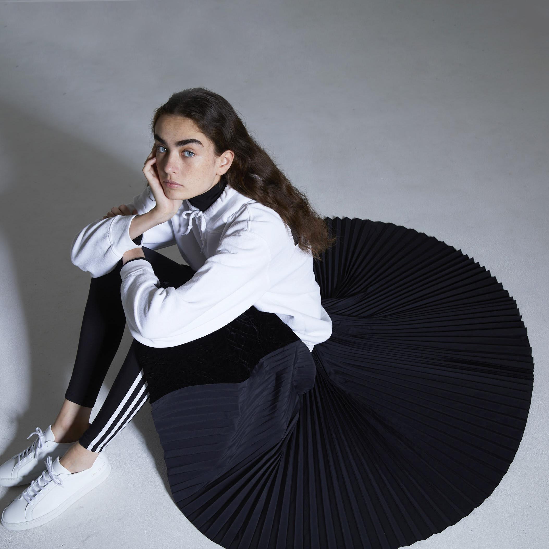 Vivienne velvet quilt black画像
