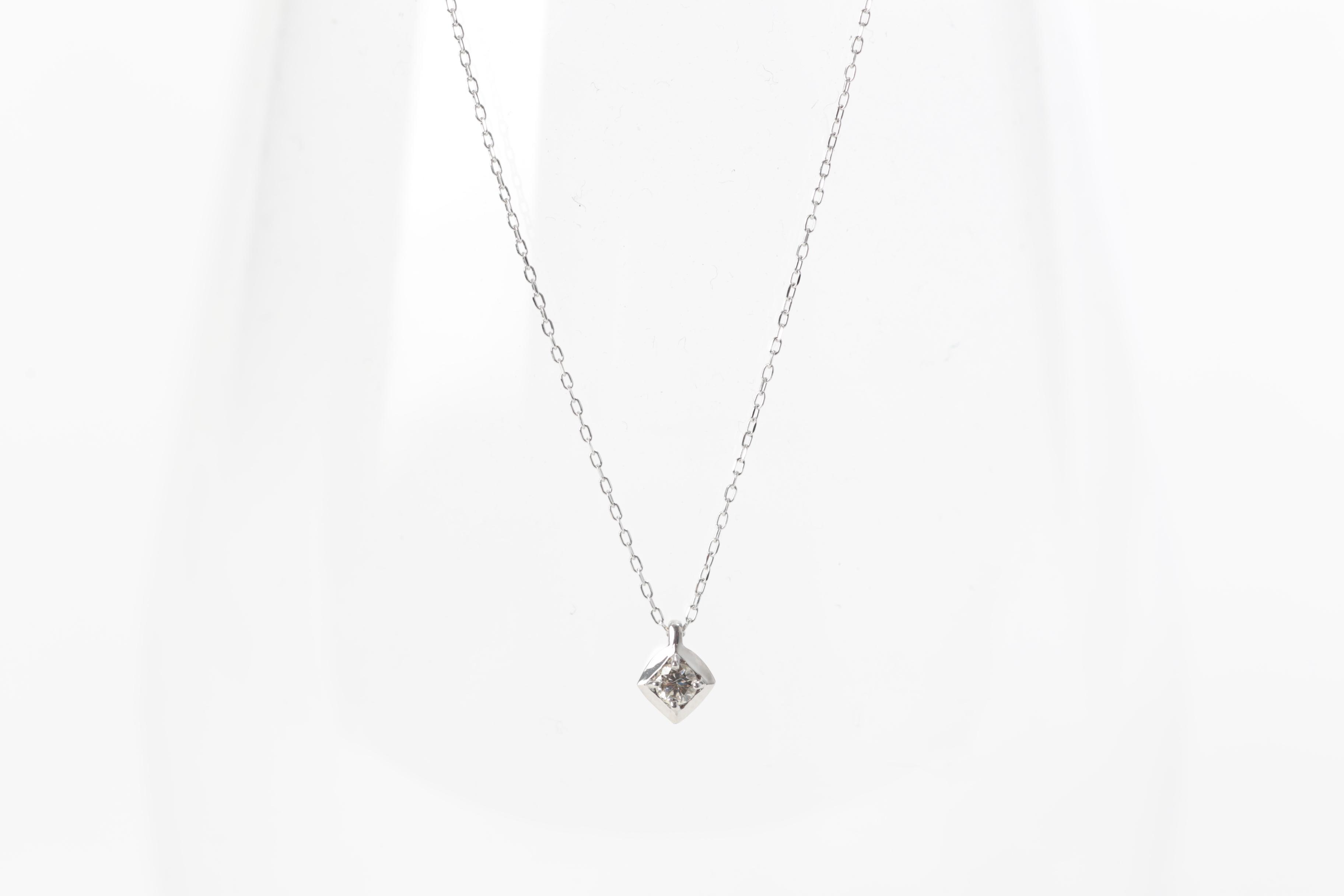 《SALE 15%OFF》K18・ダイヤ型ネックレス画像